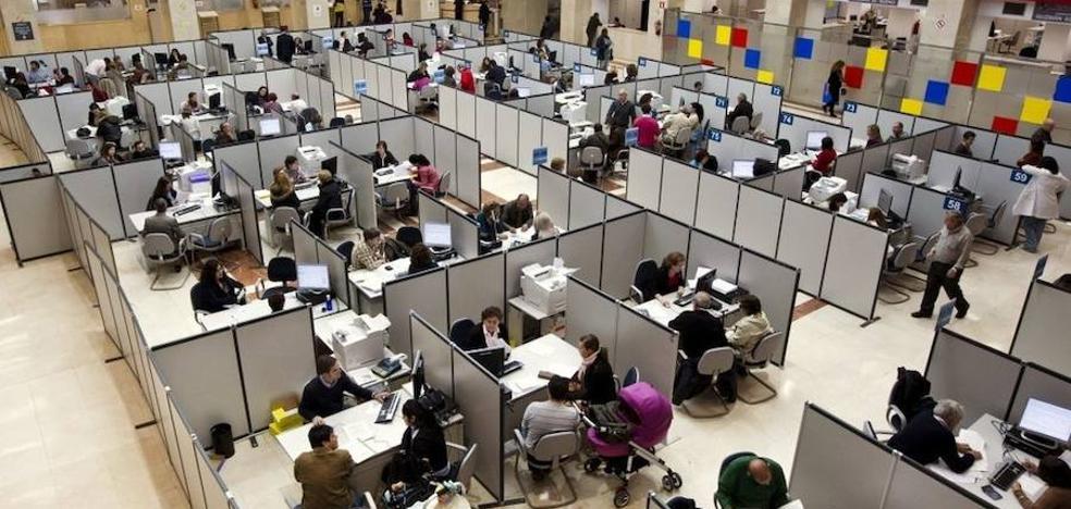 El Gobierno estudiará en 2018 la jornada de 35 horas para funcionarios
