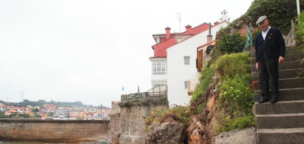 Nuevos desprendimientos en la fachada marítima de Luanco alertan a los vecinos