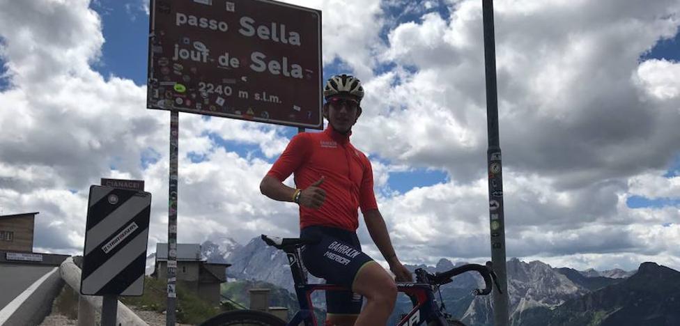 Iván Cortina prepara la Vuelta en Los Dolomitas
