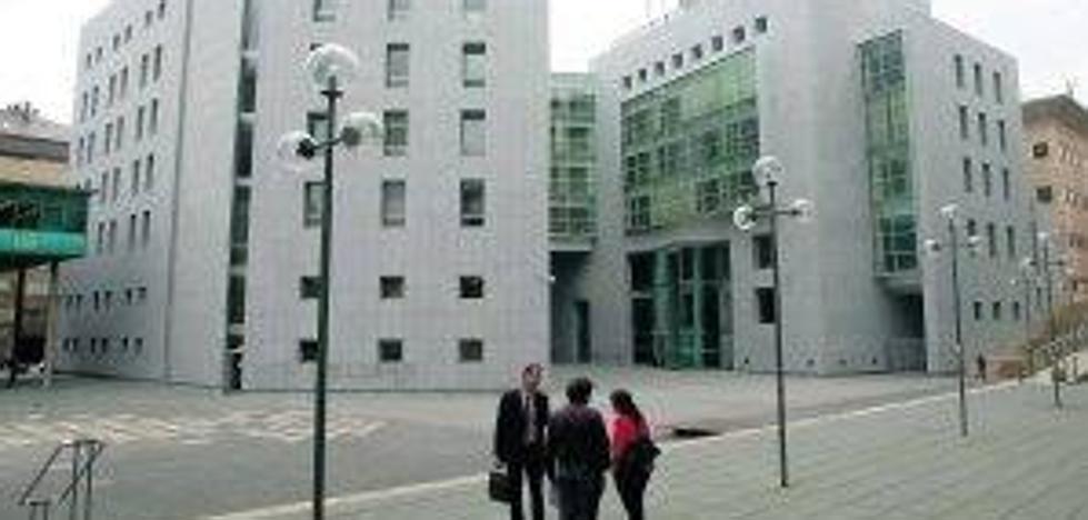 Piden un año de prisión para el acusado de agredir sexualmente a una mujer