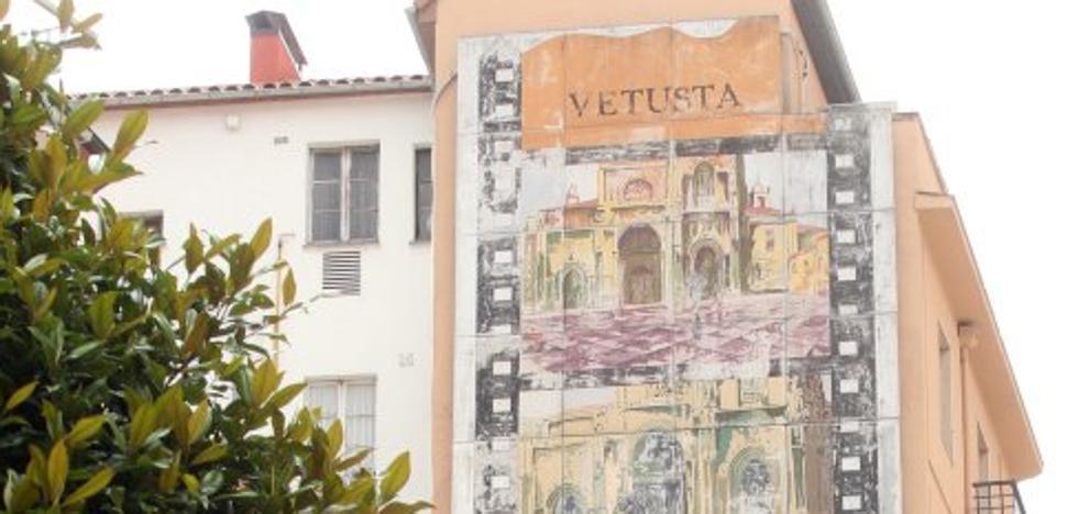 Cultura retirará el mural de Clarín tras descartar su restauración