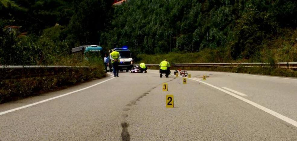 Fallece un motorista de 46 años en un accidente en Pravia