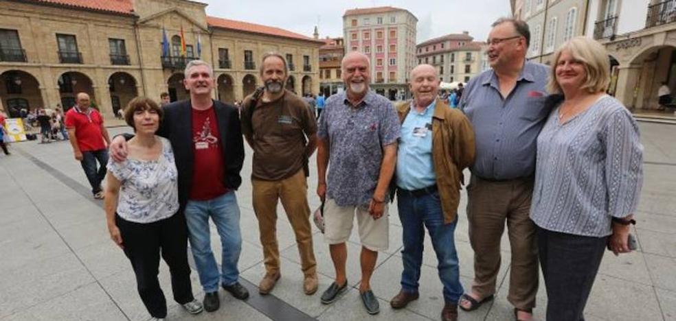 Carrusel de presentaciones literarias en la tercera jornada del festival