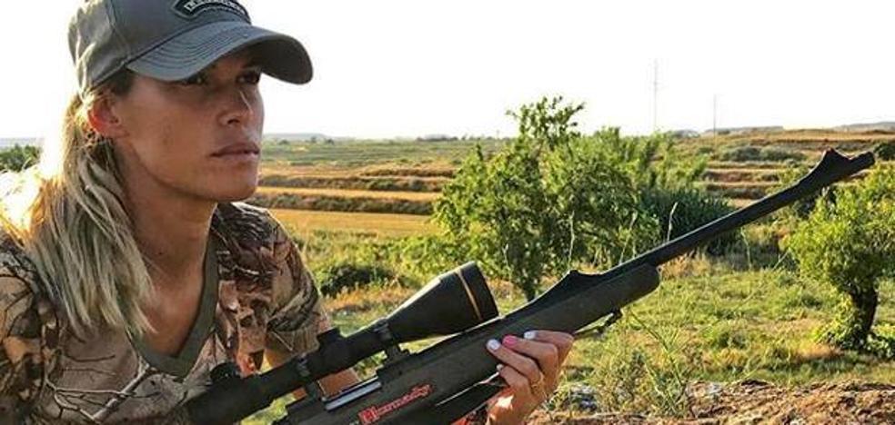 Muere la cazadora y bloguera Mel Capitán y Twitter se llena de insultos y mensajes «celebrando» su muerte