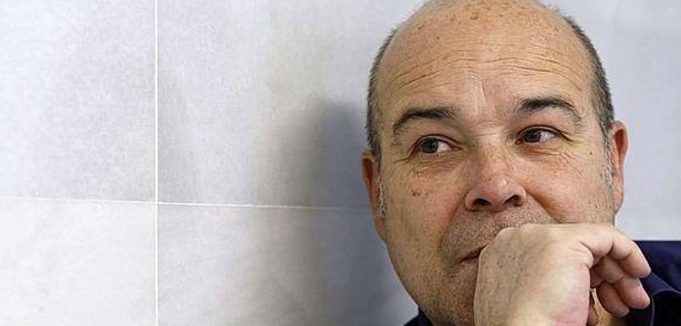Antonio Resines: «El Teatro Jovellanos me ha impresionado»