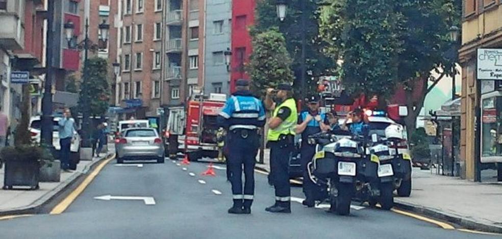 Una conductora estrella su coche contra otro en la calle Río Nora al sufrir un infarto