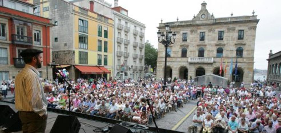 La canción asturiana vuelve a las tablas de la plaza Mayor