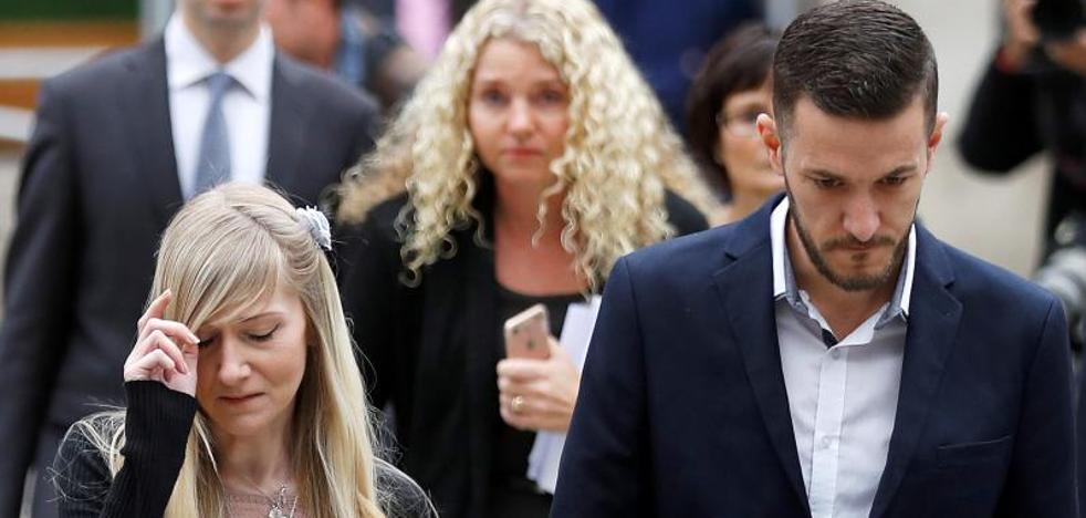Los padres del bebé Charlie Gard anuncian el fin de su batalla legal