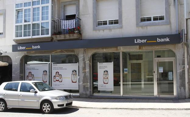 Liberbank logra beneficio de 67 millones hasta junio un 7 for Oficina liberbank