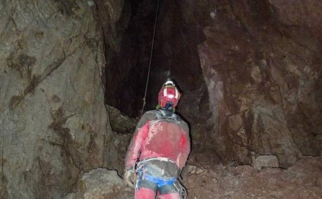 Arranca un nuevo intento de conquistar la sima más profunda de España, en Picos