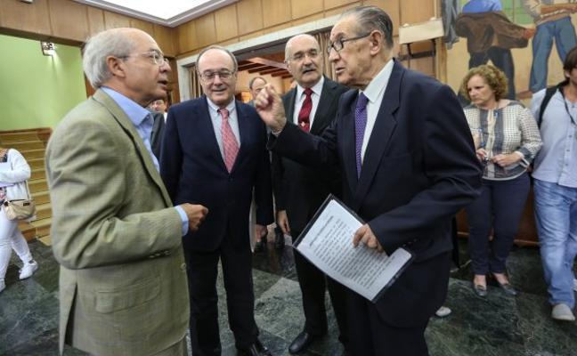 El gobernador del Banco de España advierte de que la recuperación «aún no es firme»