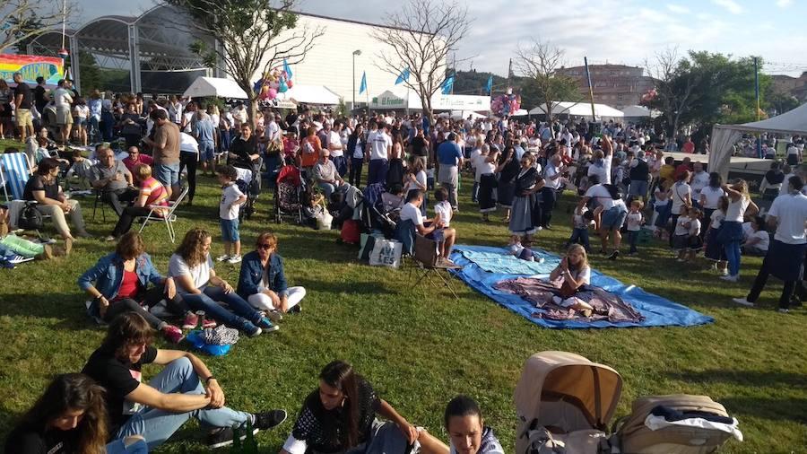 Candás reparte 4.000 kilos de sardinas en su tradicional festival
