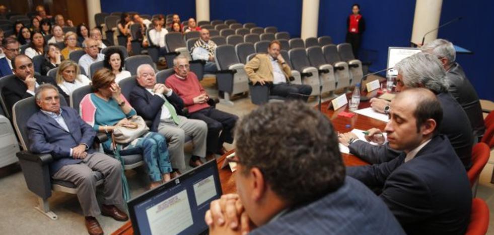 Los graduados sociales piden revisar la ley para proteger a los trabajadores