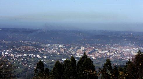 El Principado vigilará con cámaras la polución de Arcelor, Aboño y El Musel antes de un año
