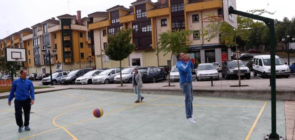 La Peña Garibaldi organiza un concurso de tiros libres para fomentar el baloncesto
