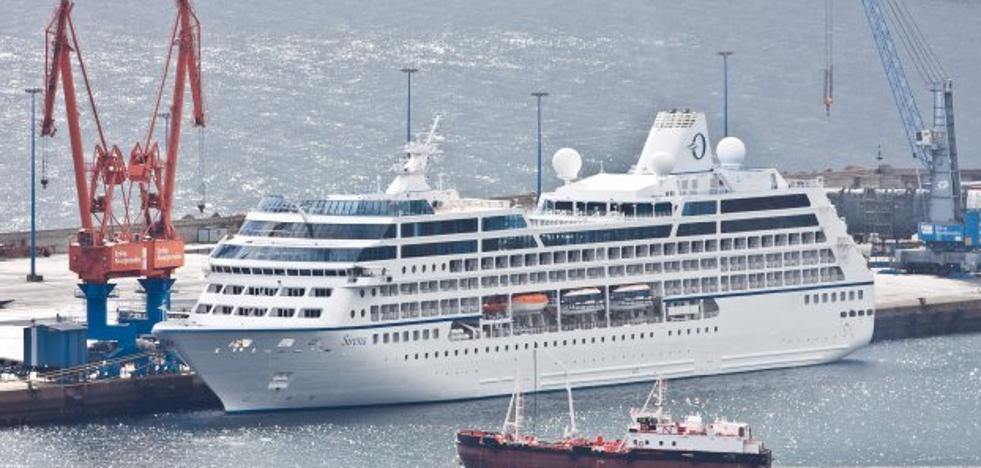 Octava escala de un crucero este año en Gijón
