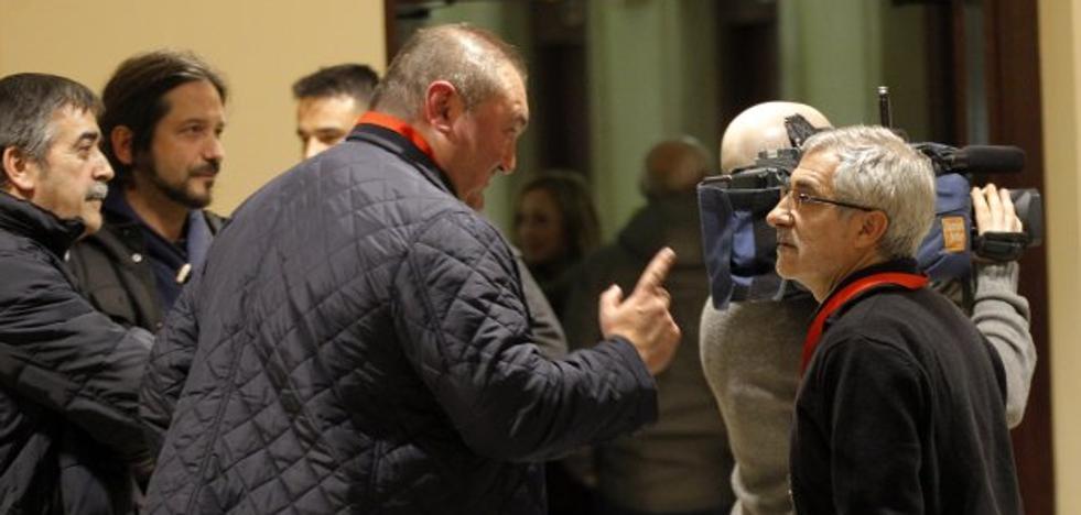 La decisión de Llamazares de impulsar otro partido convulsiona IU de Asturias