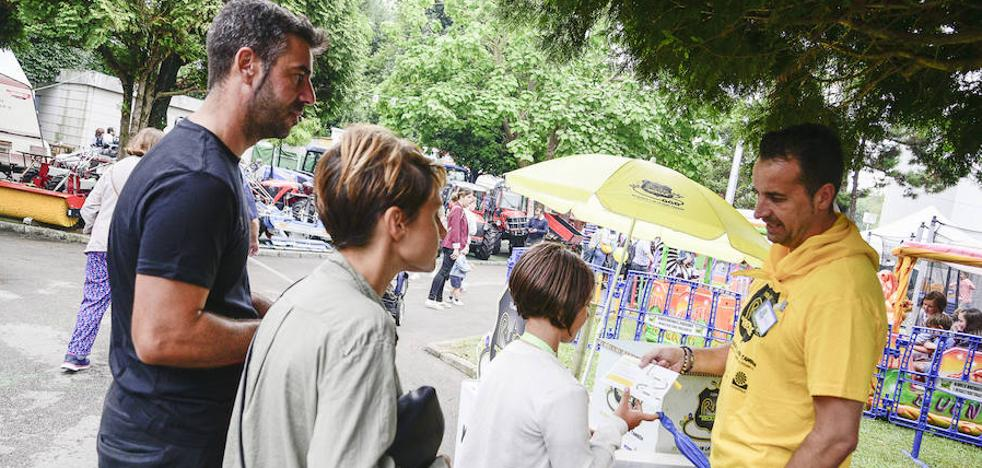 COGERSA promueve la separación de residuos entre visitantes y hosteleros de la Fidma
