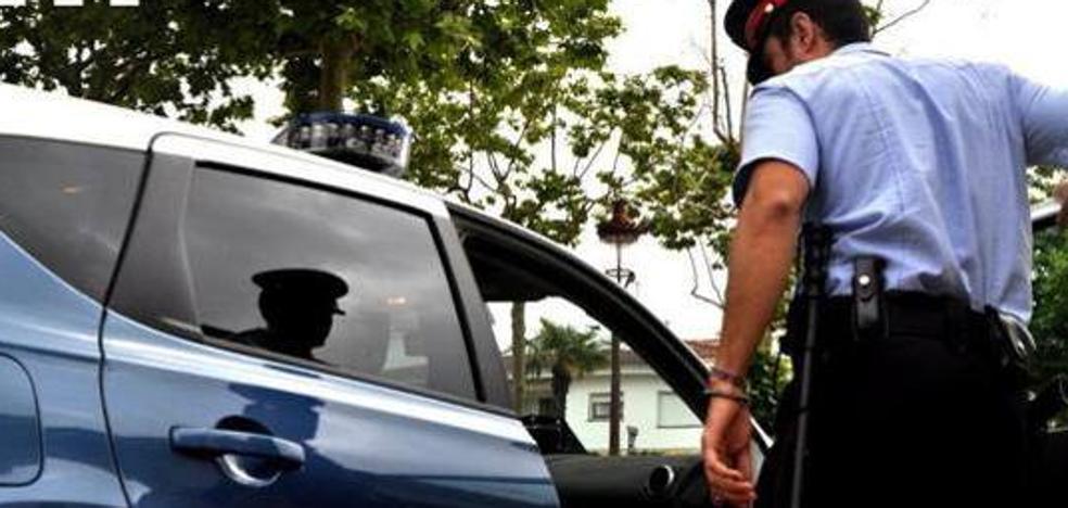 Los Mossos investigan la muerte de una madre y su hijo en un piso en Barcelona