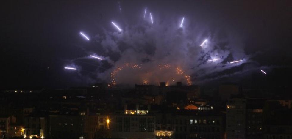 Los Fuegos de Gijón recrearán arcoíris, auroras boreales y terremotos con 5.000 artificios