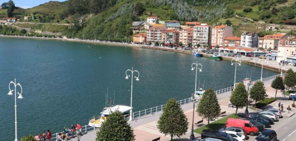 Principado y Consistorio acuerdan facilitar la gestión de la zona portuaria de Ribadesella