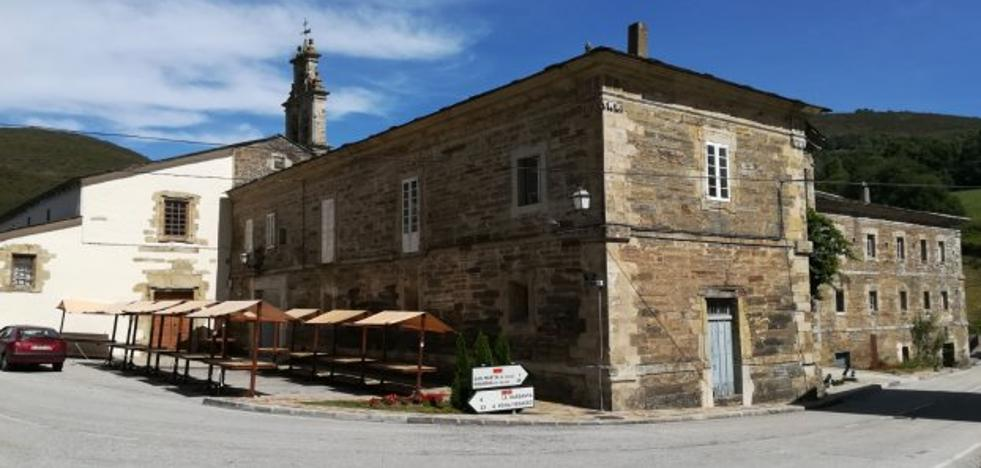 El monasterio de Santa María estrena su municipalización con la Festa dos Frailes