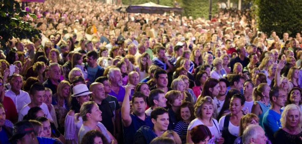 Festejos añade la actuación del grupo Café Olé en Begoña tras el espectáculo pirotécnico