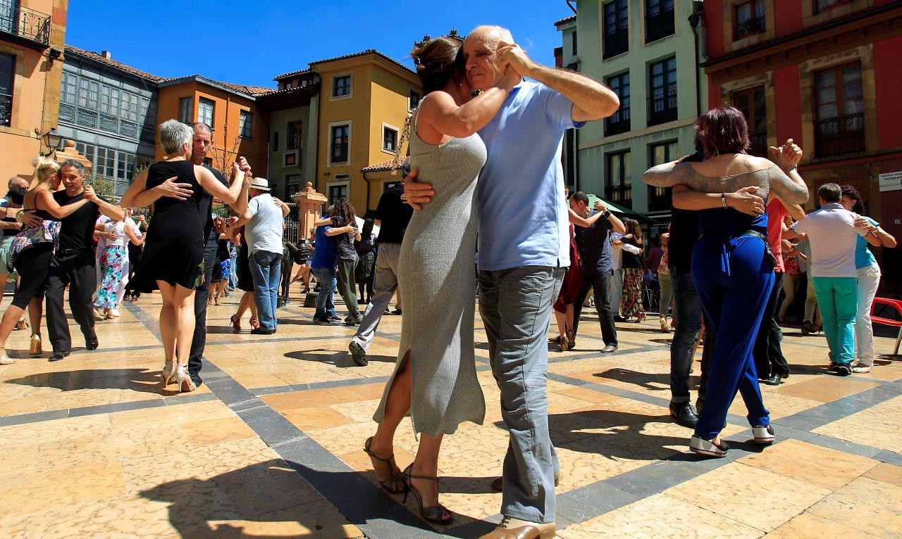 Oviedo se anima con el tango