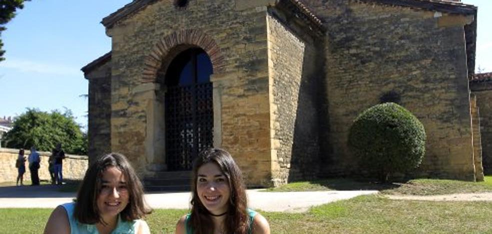 El Prerrománico, soleado y lleno de turistas