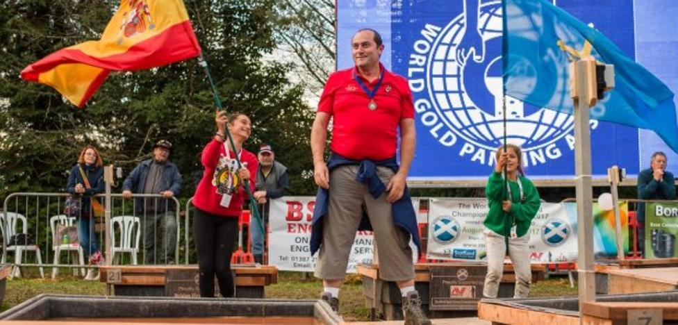 Los bateadores de Tineo regresan de Escocia con una medalla