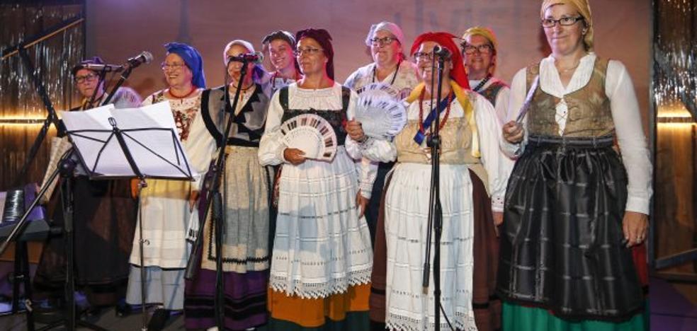 El Coro de Muyeres de San Eteban pone música a Oviedo
