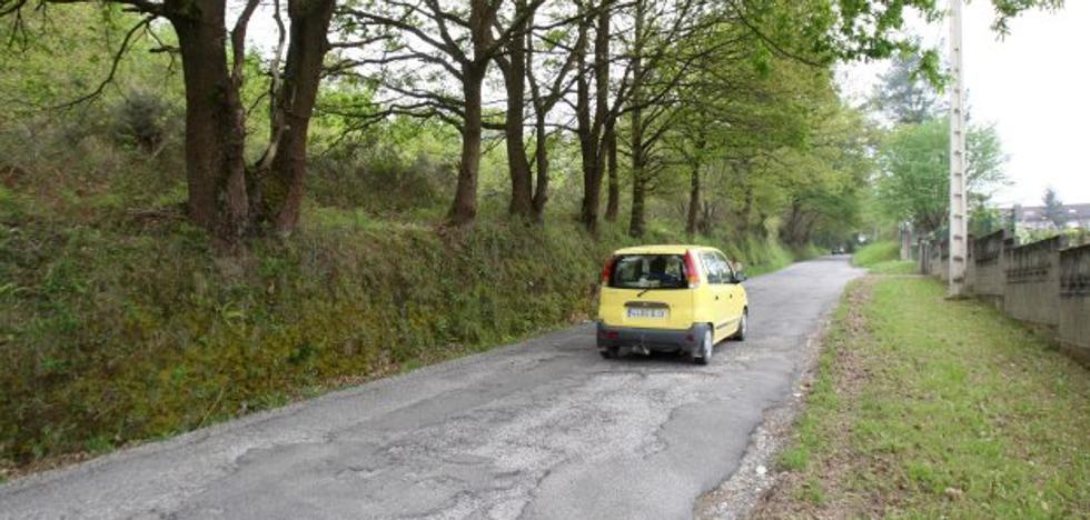 Fallece un conductor tras volcar a la altura de la depuradora de San Claudio