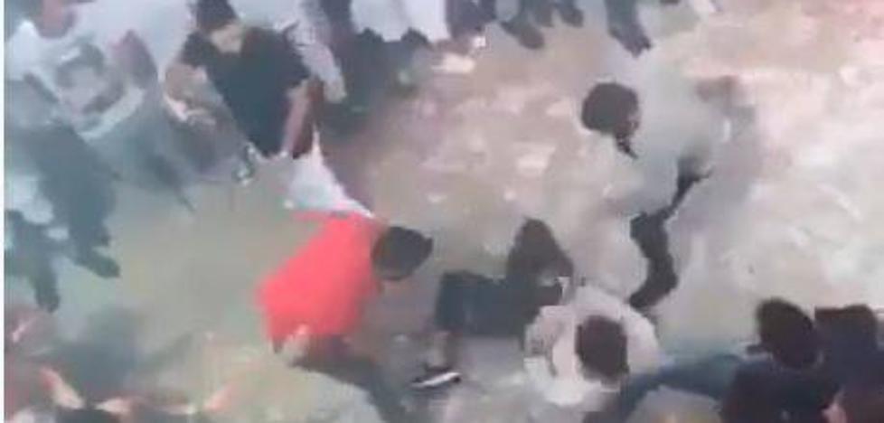 Las impactantes imágenes de la paliza que acabó con la vida del joven italiano en una discoteca de Cataluña