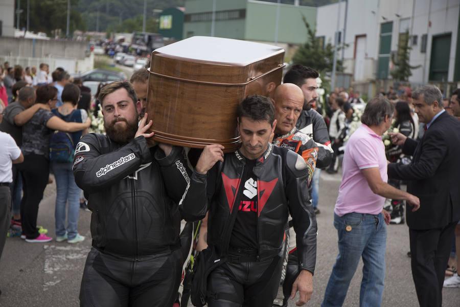 500 motos despiden a Igor Navarrete en Sotrondio