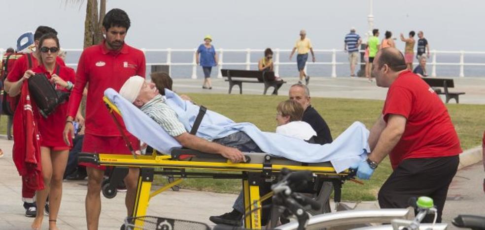 Herido tras sufrir una caída a causa de un mareo en el Muro