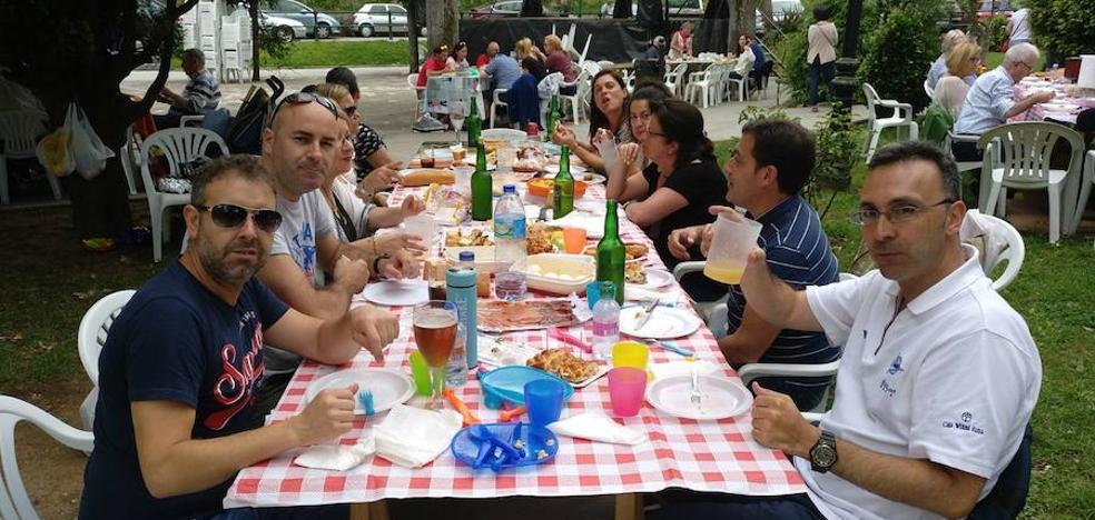Hermanamiento y solidaridad por San Roque en Candás