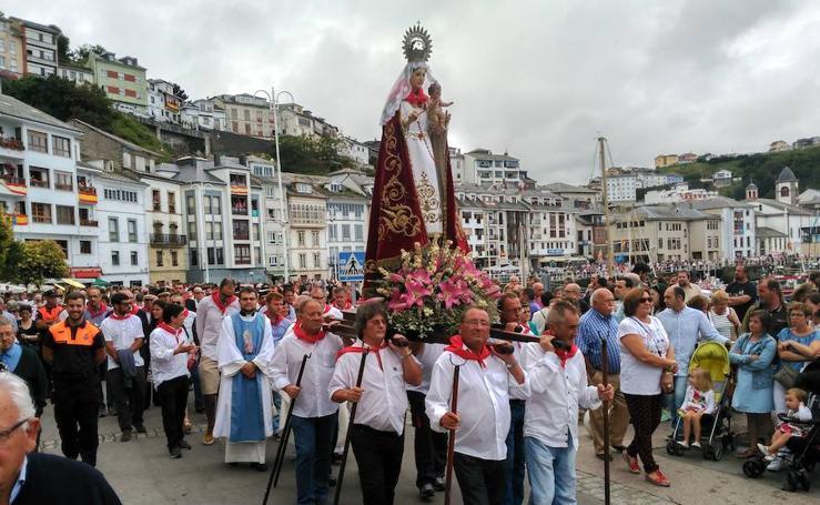 Luarca celebra el día grande de las fiestas del Rosario