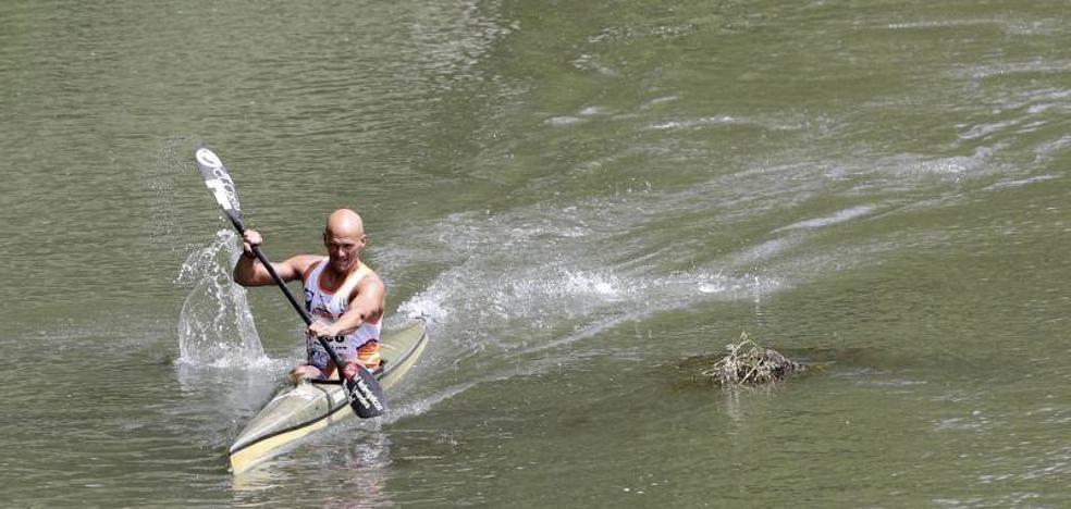 Los piragüistas de Arriondas y el Oviedo Kayak triunfan en el Descenso del Pisuerga