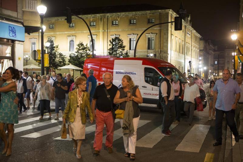 Amplio dispositivo de seguridad para la noche grande de Gijón