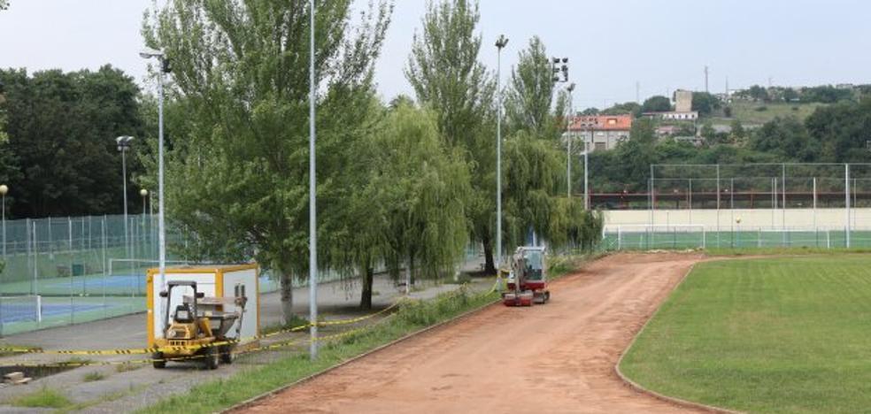 Comienzan las obras de mejora de la pista de atletismo de La Toba