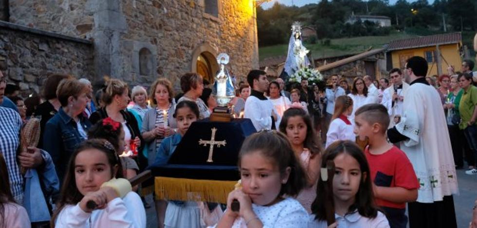 Laviana concluye sus fiestas del Otero con la gran jira en La Chalana