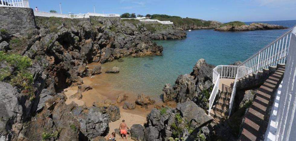 Fallece un joven de 22 años en la playa de los Curas, en Perlora