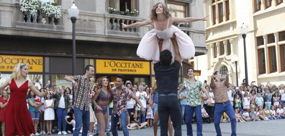 'Dirty Dancing', el amor triunfa en la calle