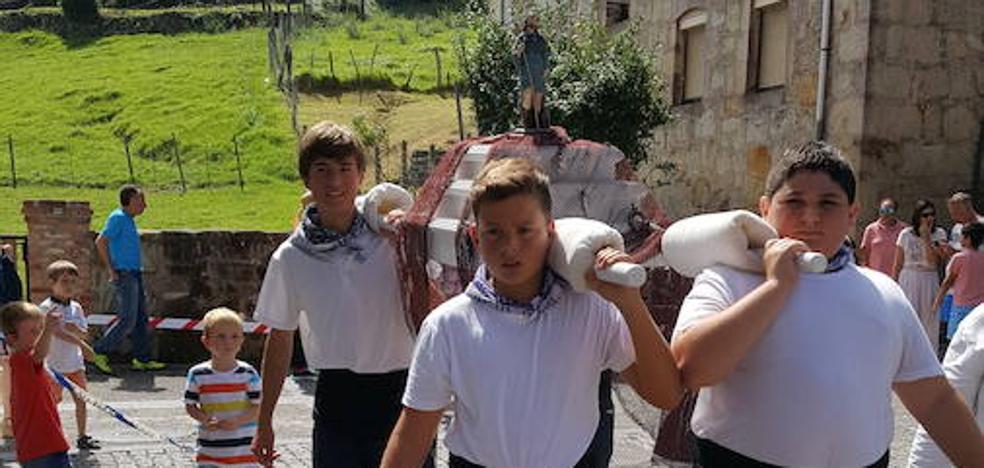 Tazones apuesta por la tradición en San Roque