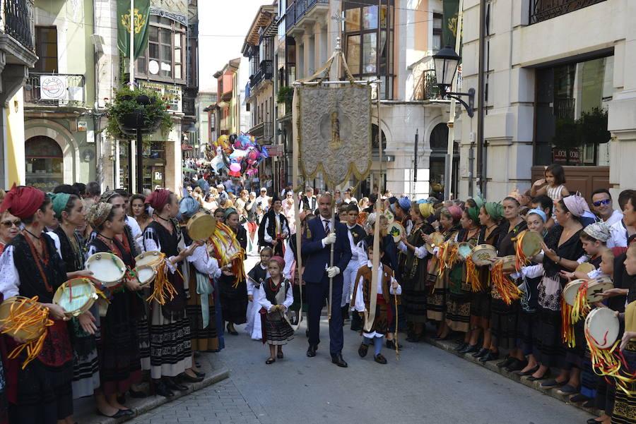 Multitudinaria fiesta de San Roque en Llanes