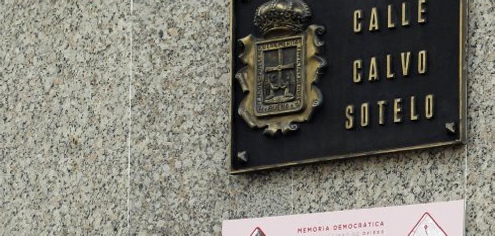 Oviedo cambiará de forma inmediata las placas de las calles con nombres franquistas