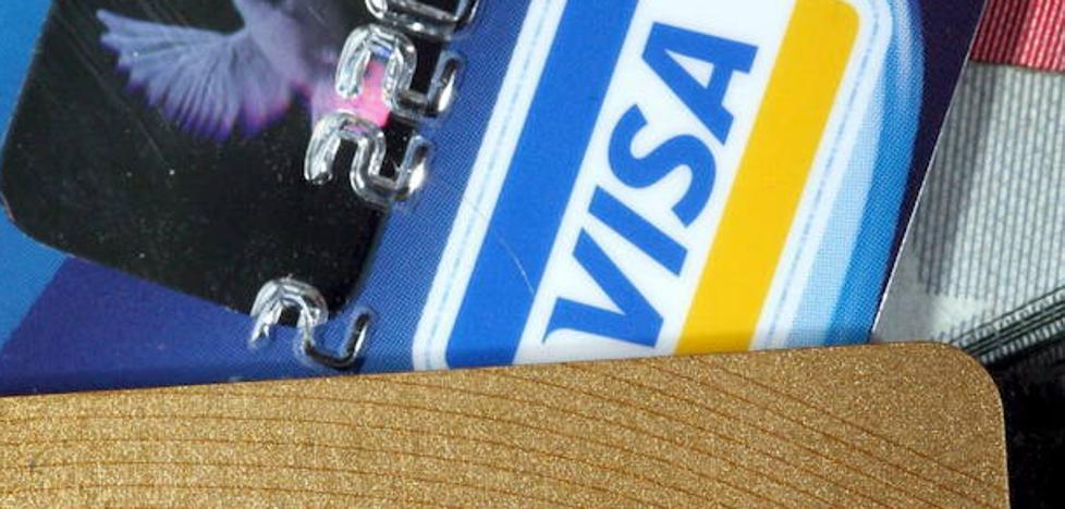 Dos detenidos por clonar tarjetas bancarias en tres cajeros de la ciudad