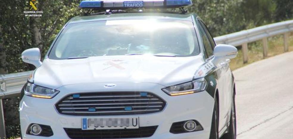Detienen a un asturiano en León por llevar toda su vida conduciendo sin carné
