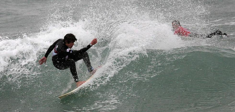 El Campeonato Tapiego de Surf espera «buenas olas»