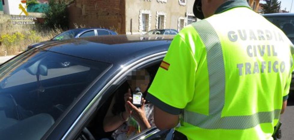 Detenido en León un vecino de Aller que siempre ha conducido sin carné
